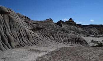 Trail through the badlands at Dinosaur Provincial Park, Alberta, Canada.